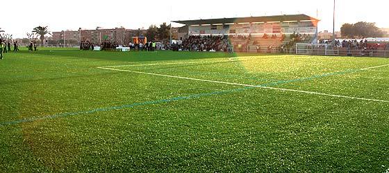 5d63958b1679b Calafell estrena el primer campo de fútbol de césped artificial